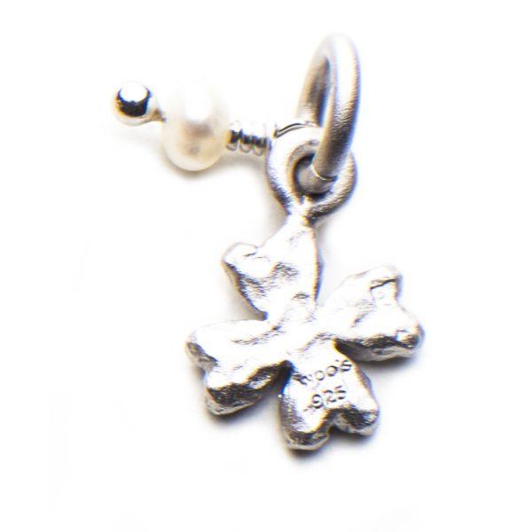 Little Pearl Charm Trevo